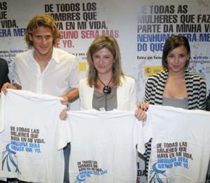 Bibiana Aido (Ministra Igualdad), Chenoa (Cantante), Diego Forlan (Futbolista At. Madrid)